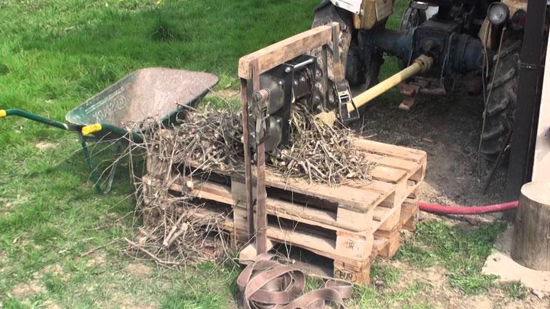 Cura del giardino nel rispetto della natura sono necessari gli strumenti adeguati: la cippatrice